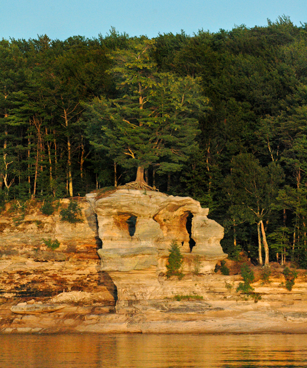 Munising Attractions | Munising Pictured Rocks | Munising Waterfalls | Munising MI Attractions | Munising Things to Do | Attractions | Waterfalls | Hiking