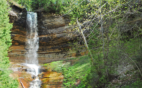 Munising Waterfalls | Munising Michigan Lodging near Waterfalls on the Lakeshore